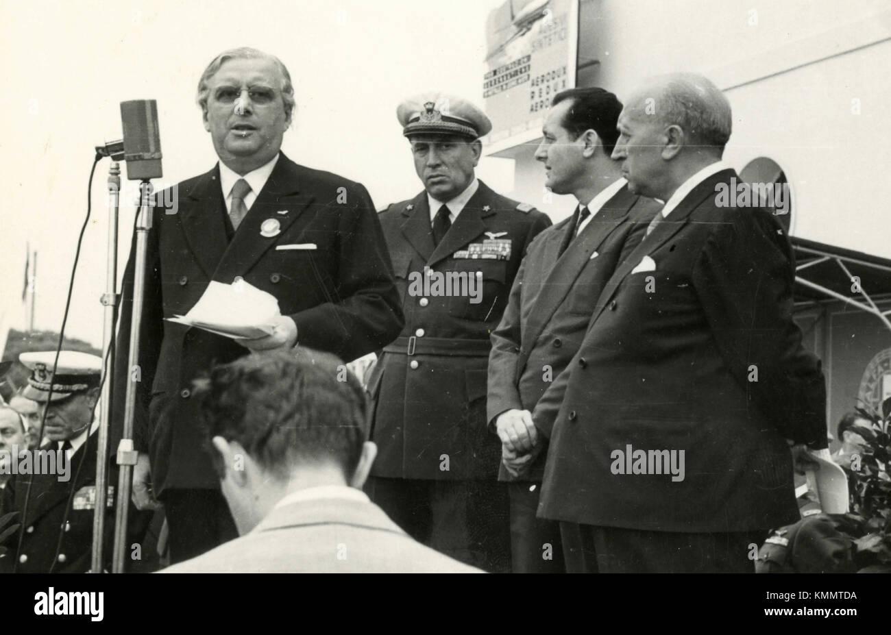 Unidentified authorities of Aeronautics, Italy 1950s - Stock Image