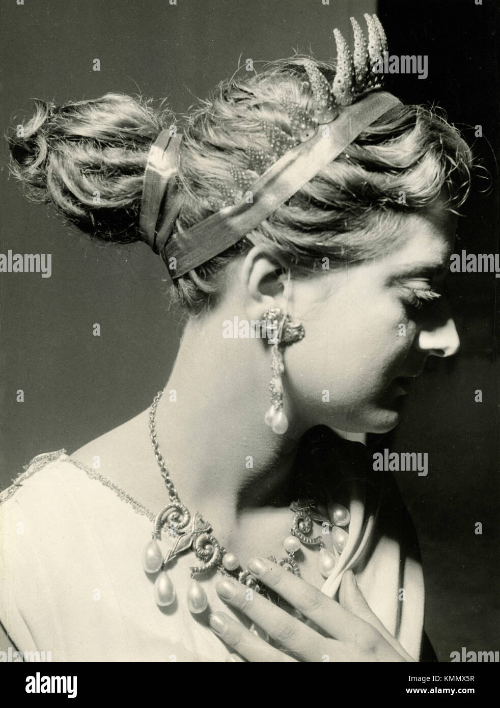 Model in toga at the hairdressing show, Italy 1960s - Stock Image