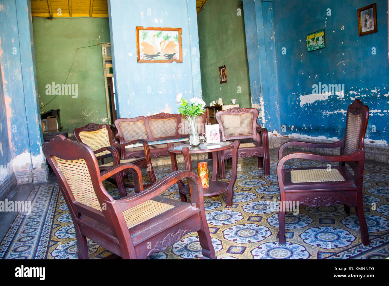 Furniture in a typical livingroom in Cienfuegos, Cuba - Stock Image