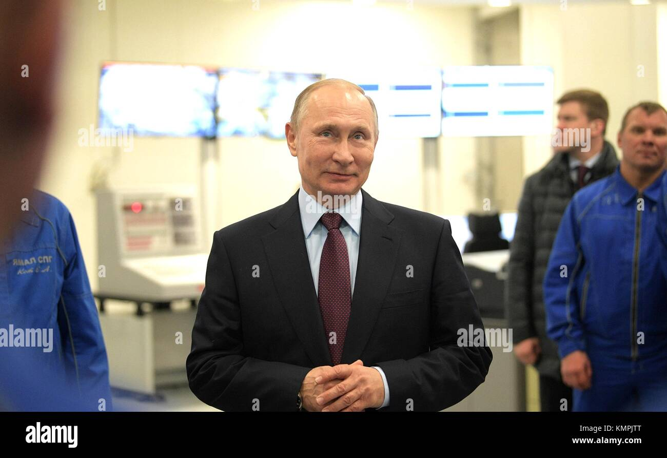 Sabetta, Russia. 08th Dec, 2017. Russian President Vladimir Putin during a tour of the Yamal LNG plant December - Stock Image
