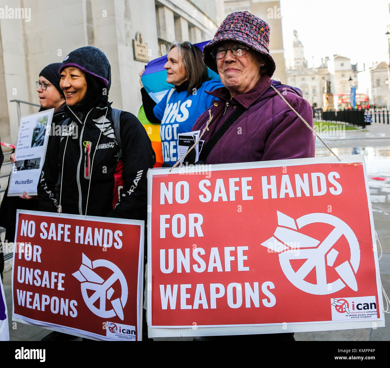 London, UK. 9 December 2017. 'No safe hands for unsafe weapons'. Crowds gathered at The Ministry of Defence - Stock Image