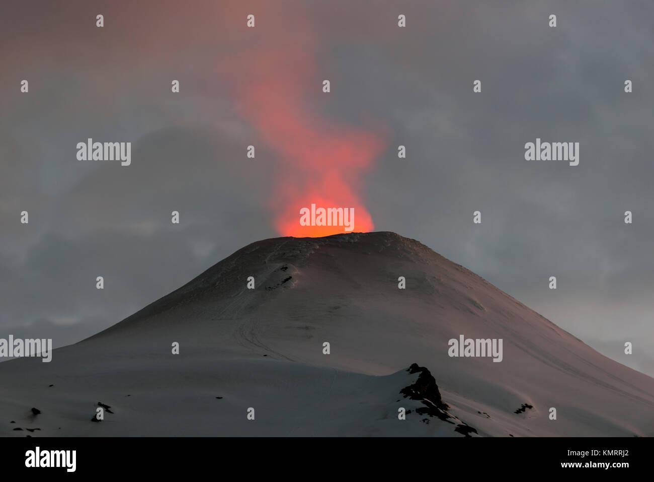 Volcán Villarrica / Villarrica volcano. Araucania, Chile. - Stock Image