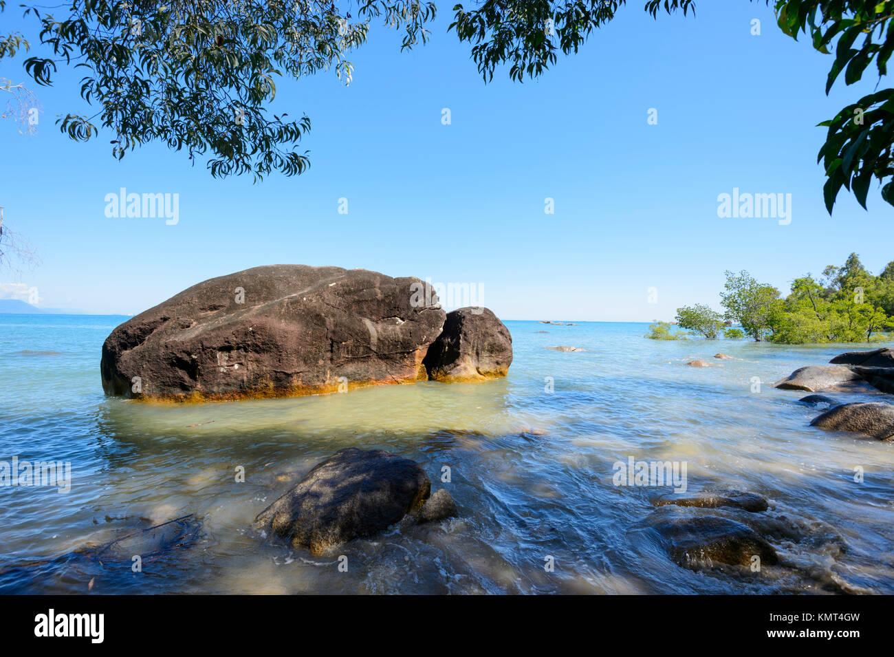 Scenic coastline at Yarrabah, Aboriginal Shire, near Cairns, Far North Queensland, FNQ, QLD, Australia - Stock Image
