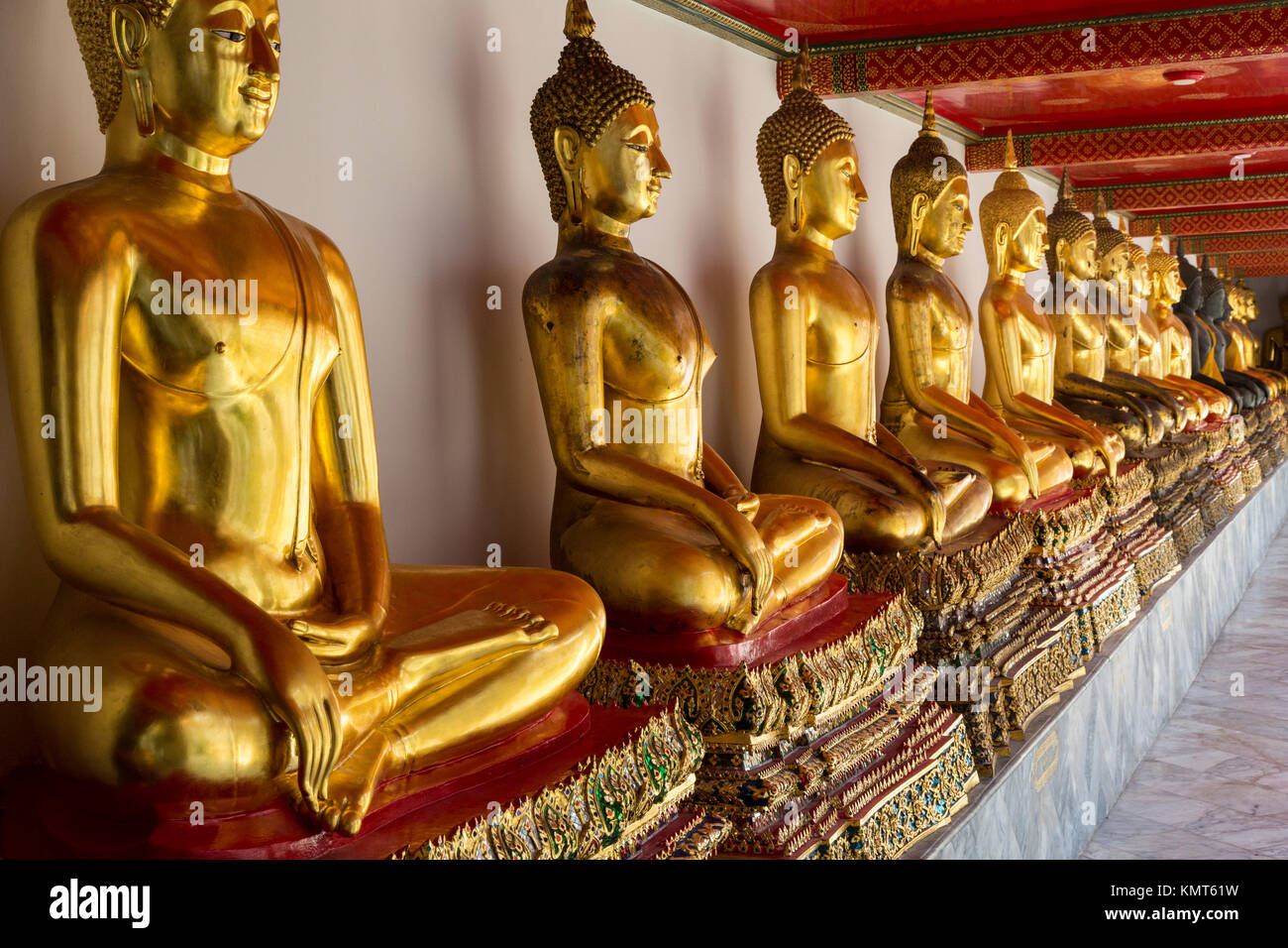 Bangkok, Thailand.  Buddhas in the South Pavilion, Wat Pho (Reclining Buddha) Temple Complex. - Stock Image