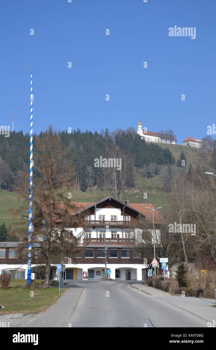 An empty Hotel and the church on a hill in Hohenpeißenberg (Bavaria, Germany) - Stock Image