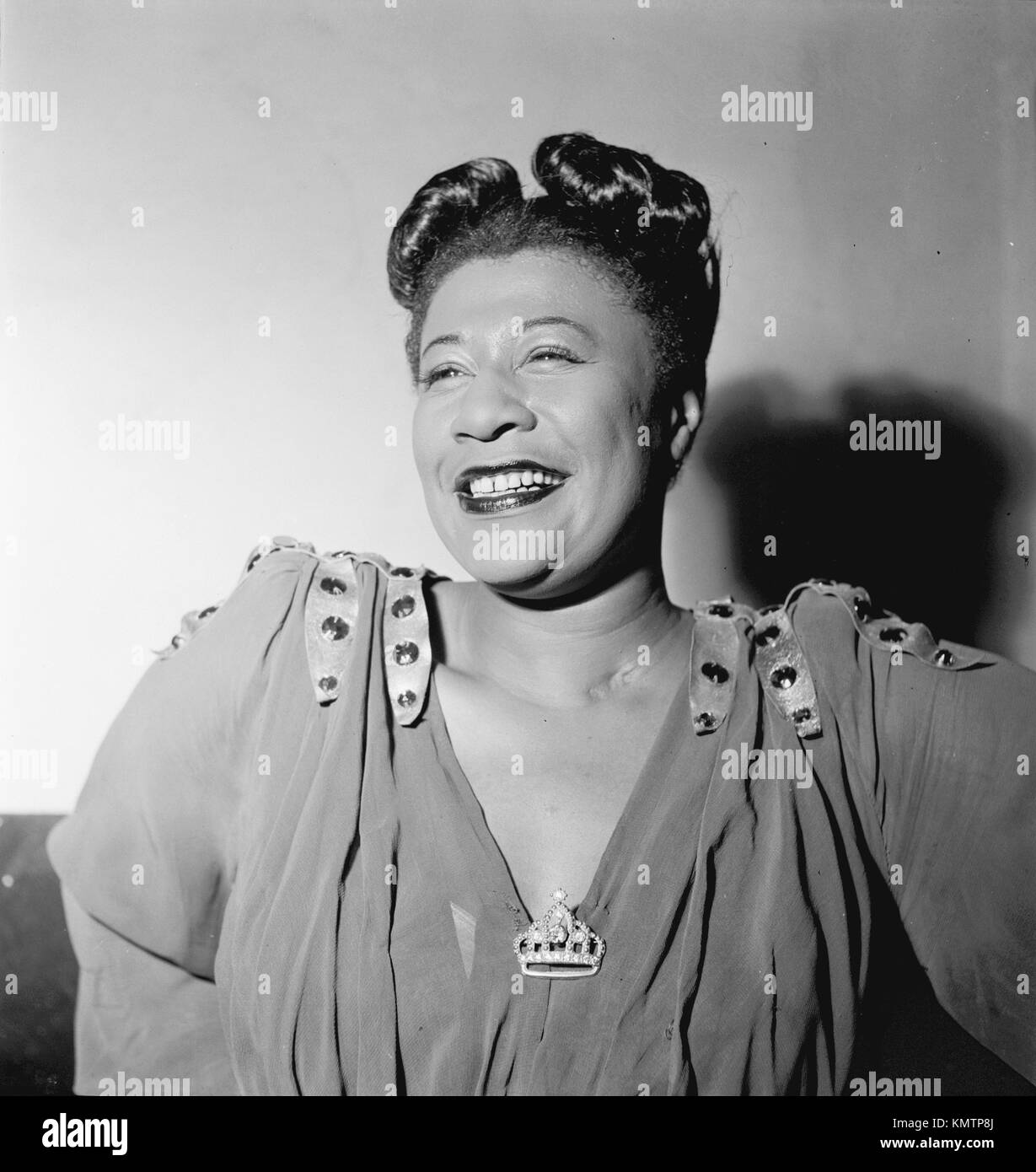 ELLA FITZGERALD (1917-1996) American jazz singer in November 1946. Photo: William Gottlieb. Stock Photo