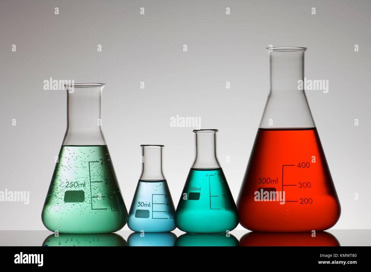 Chemistry Lab Stock Photos & Chemistry Lab Stock Images - Alamy