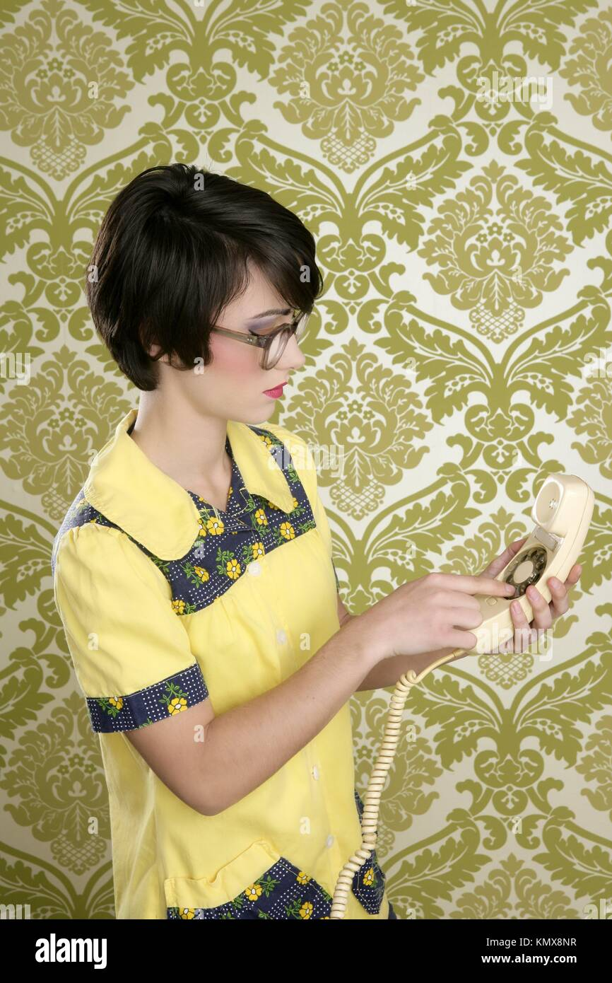 Nerd Housewife Retro Woman Dial Vintage Wired Phone 70s