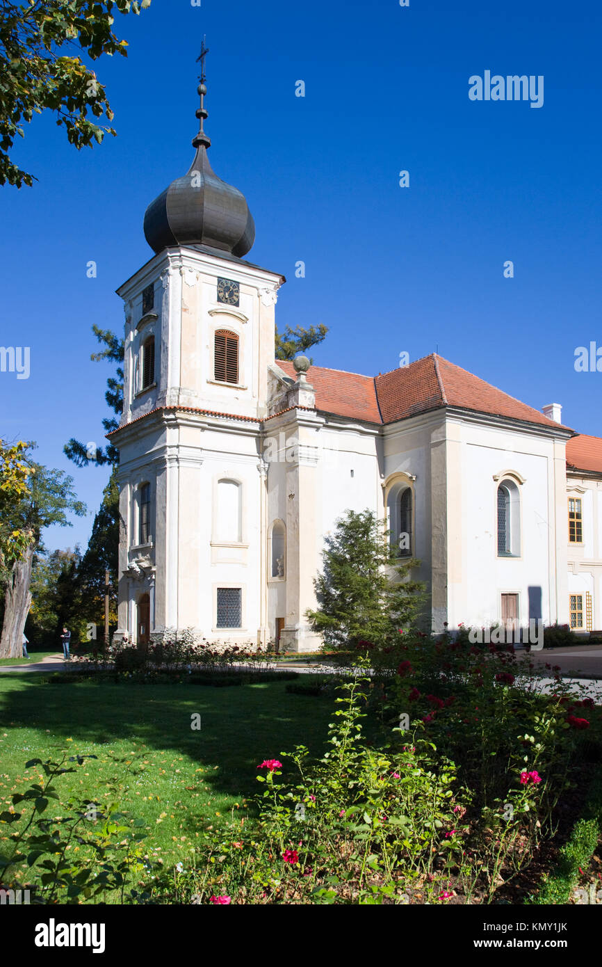 castle Loucen and its labyrinth in the garden, Central Bohemia, Czech republic /  zamek Loucen, Stredocesky kraj, - Stock Image