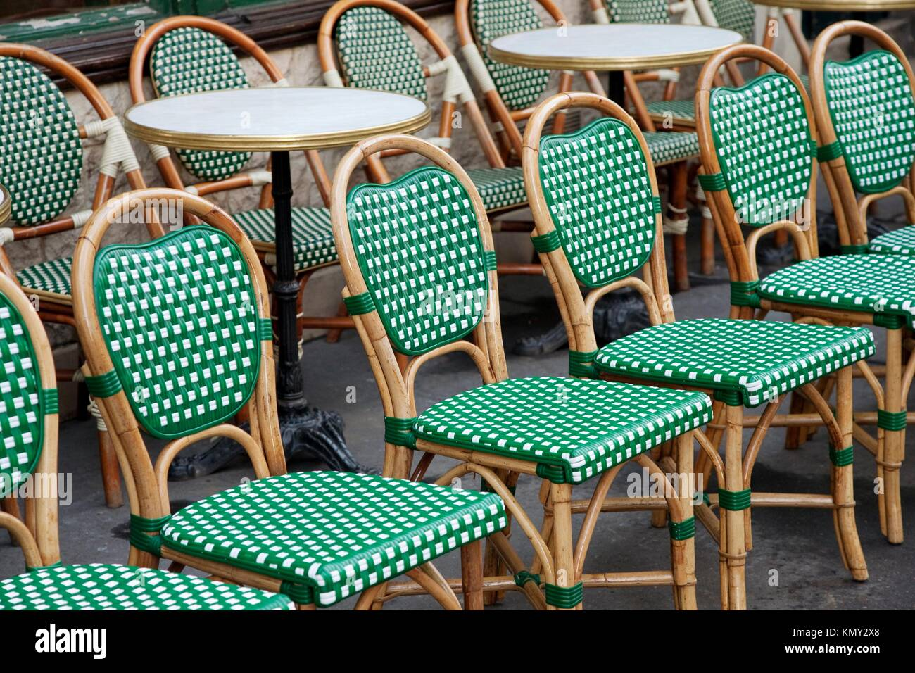 Beau Green And White Cafe Chairs In Paris, France   Stock Image