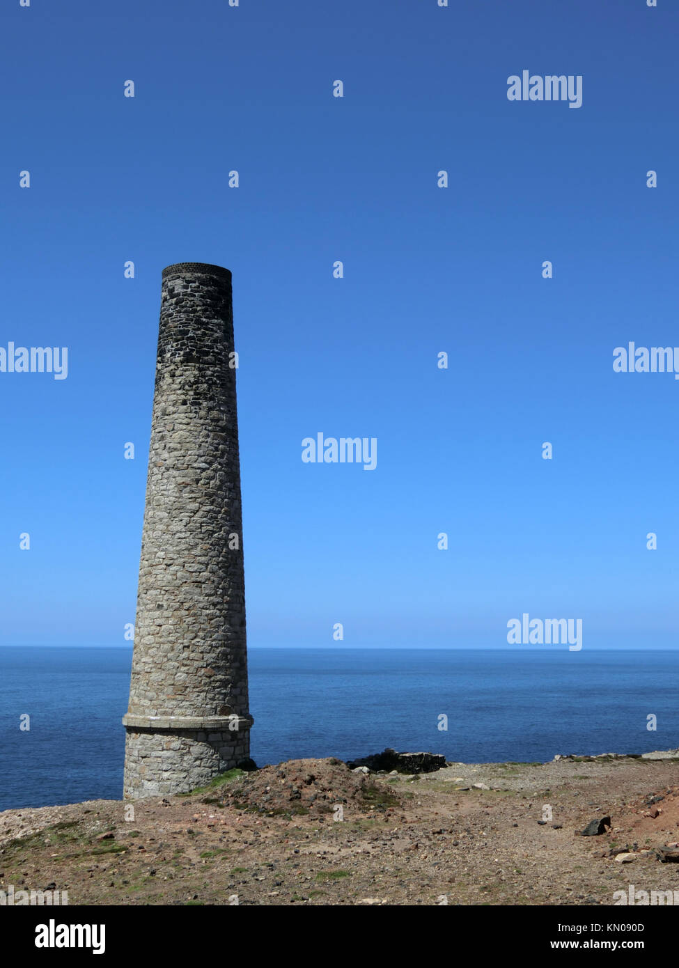 Arsenic Calciner Chimney Stack at Levant Tin Mine, UNESCO World Heritage Site, Pendeen, Cornwall, England, UK in - Stock Image