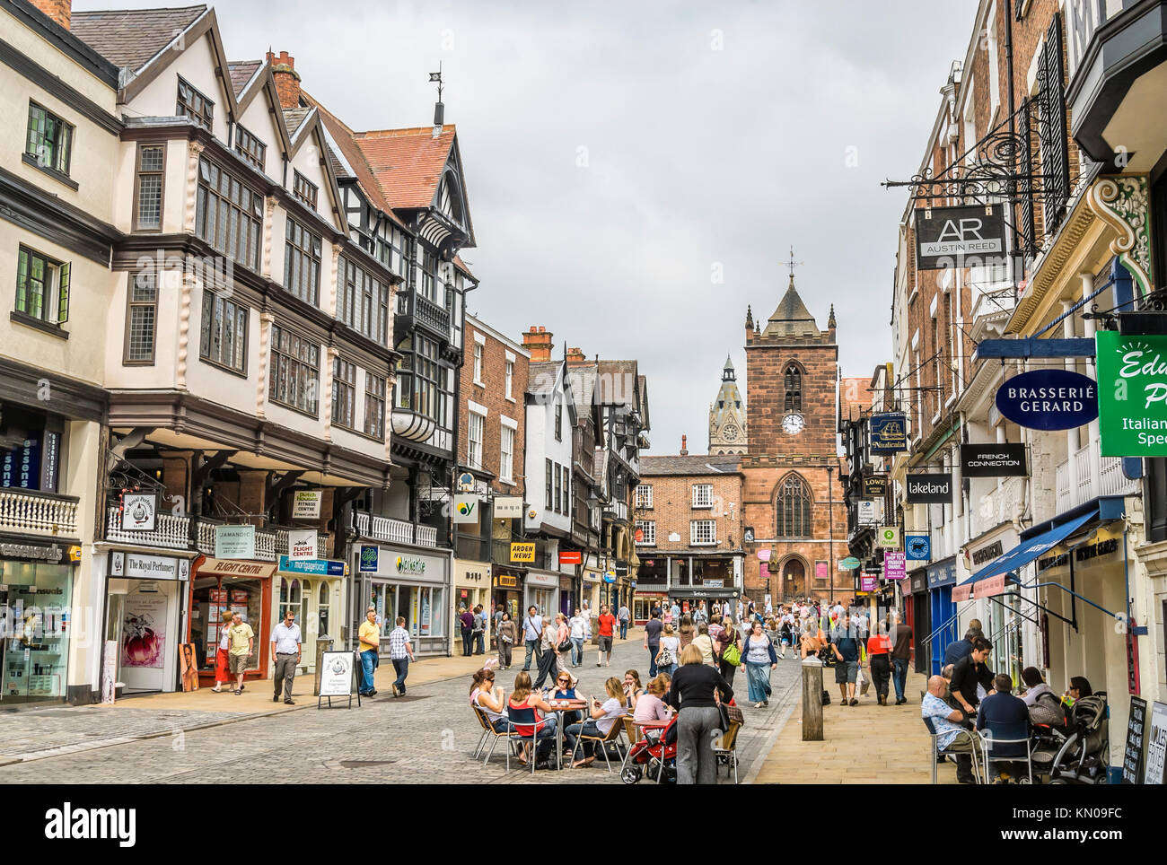 People relaxing in Coffee Shops along Frodsham Street in the historical town centre of Chester , Cheshire, North - Stock Image