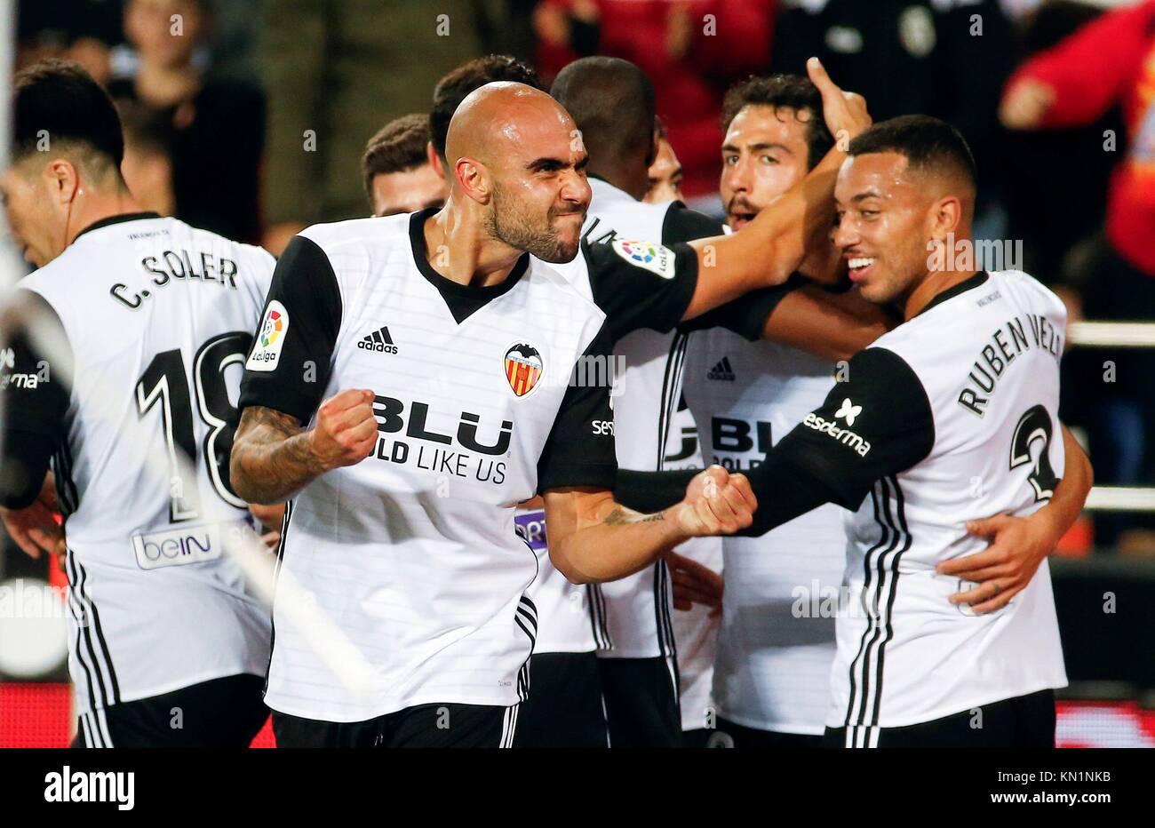Valencia's Simone Zaza (2L) celebrates after scoring against Celta de Vigo during the La Liga first divison - Stock Image