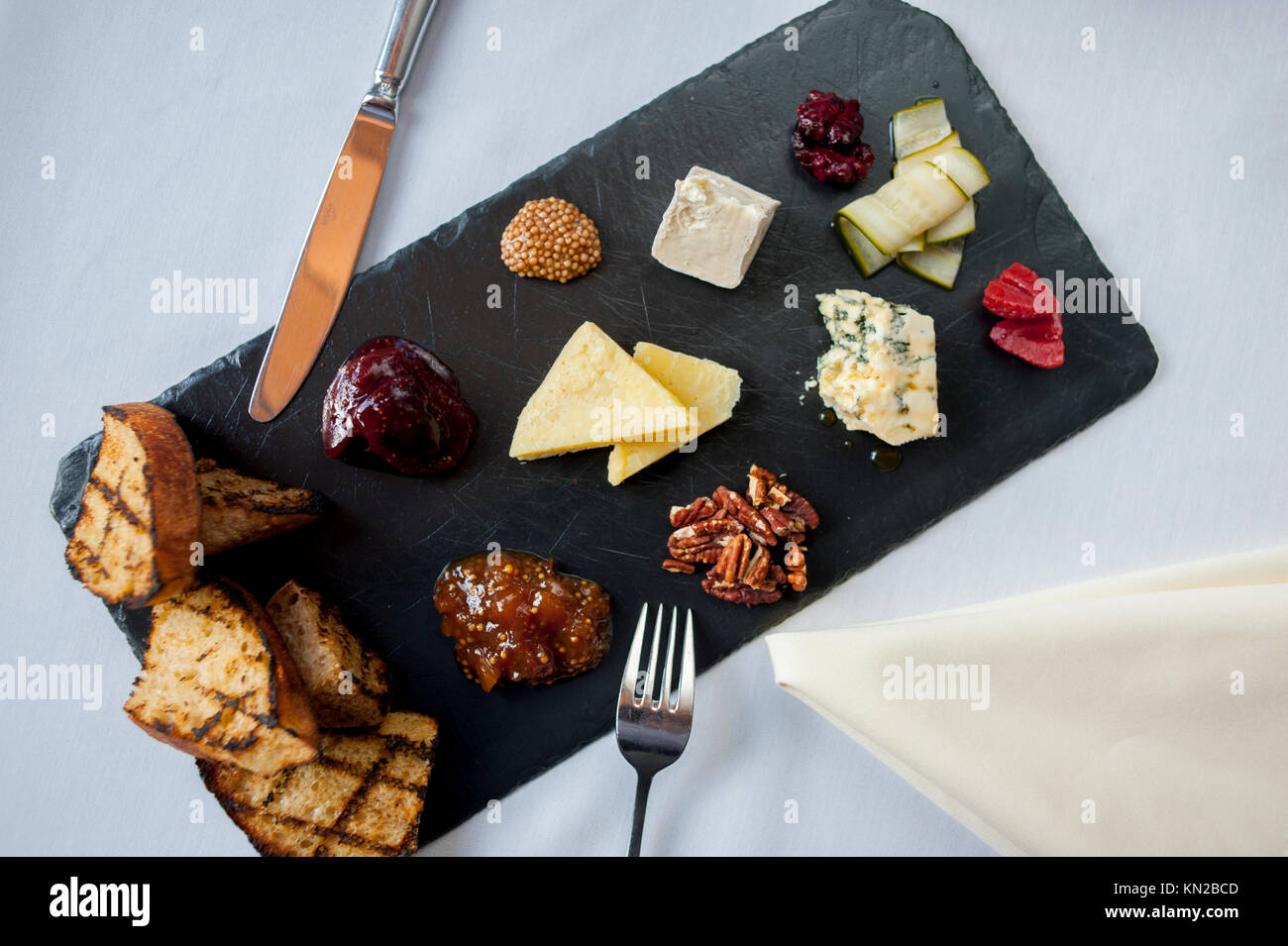USA Virginia VA Williamsburg Winery Cafe Provencal fine dining elegant food  assorted cheese plate with toast and - Stock Image