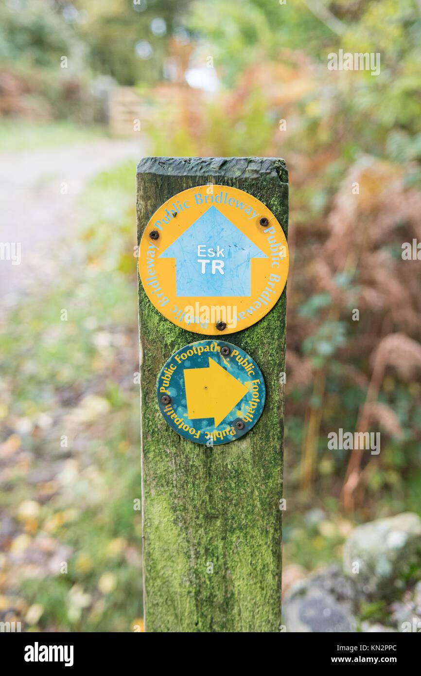 Eskdale Trail marker on public footpath bridleway - Lake District, Cumbria, England, UK - Stock Image