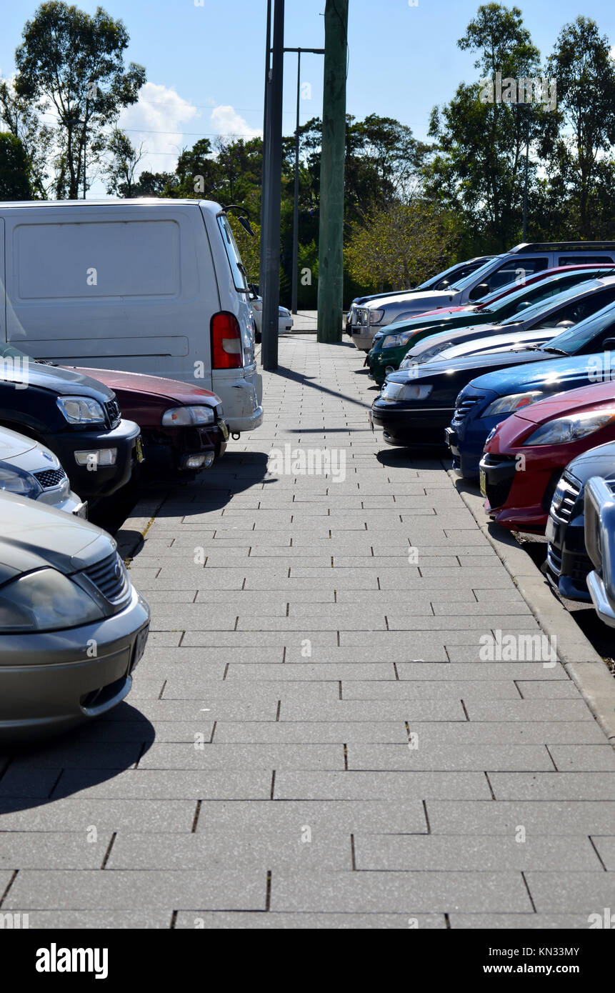 Vehicles parked in station car park at Tuggerah station, NSW, Australia - Stock Image
