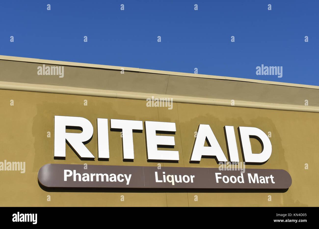Rite Aid pharmacy, liquor and food mart in Bellingham, Washington, USA. - Stock Image