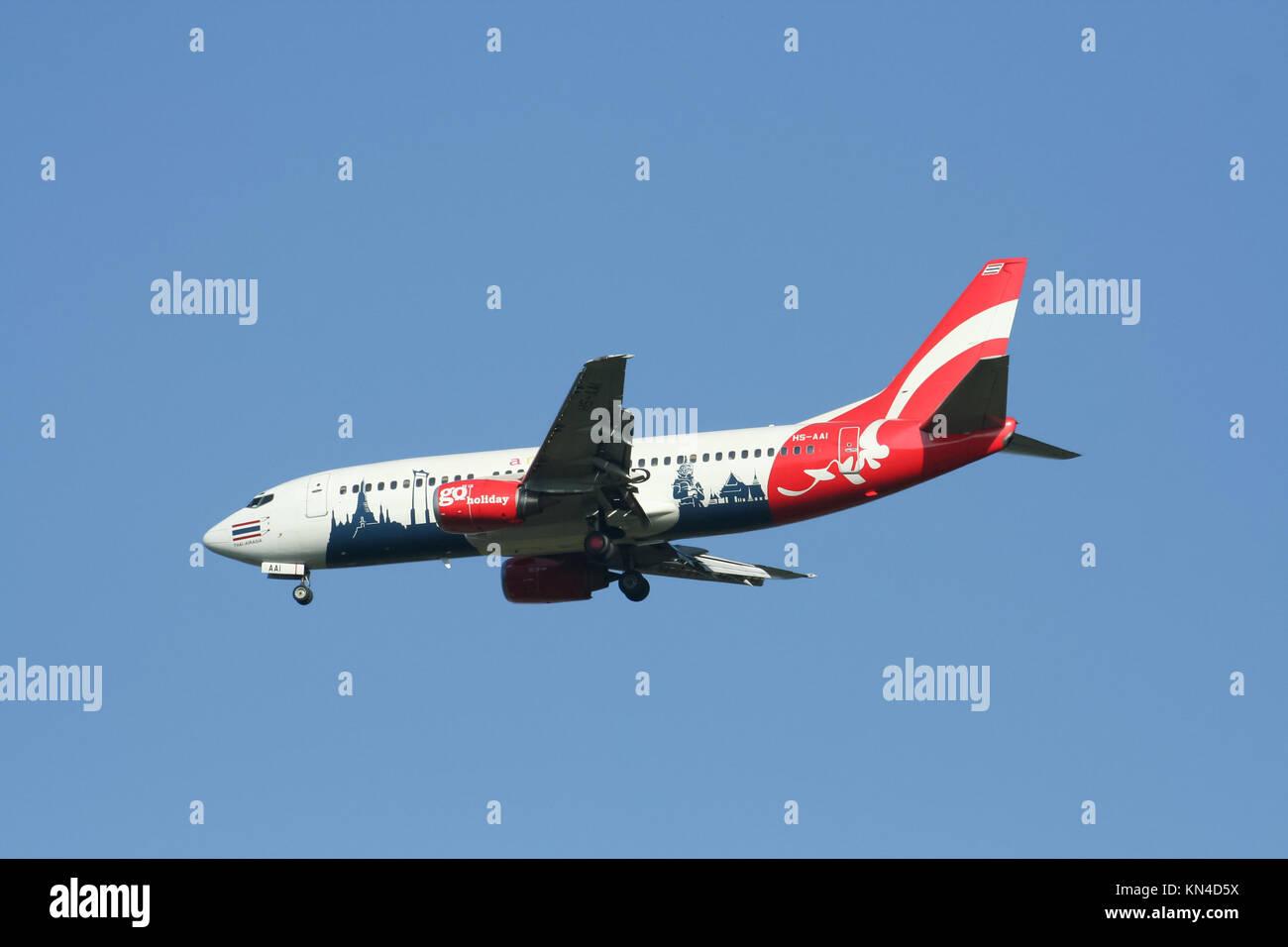 CHIANGMAI , THAILAND - CIRCA 2007: HS-AAI Boeing 737-300 of Thaiairasia. landing to Chiangmai airport from Bangkok - Stock Image