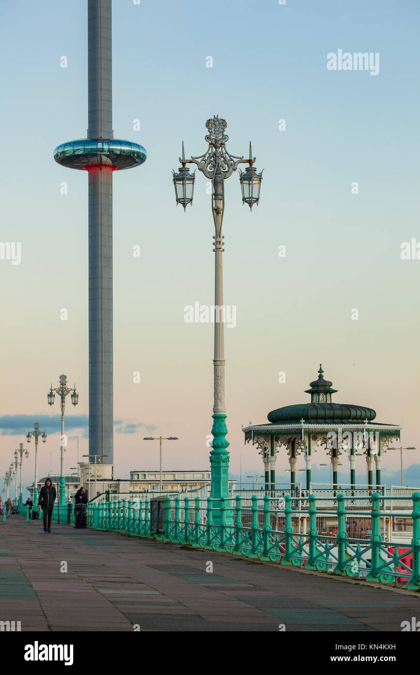 Winter evening on Brighton seafront, England. - Stock Image