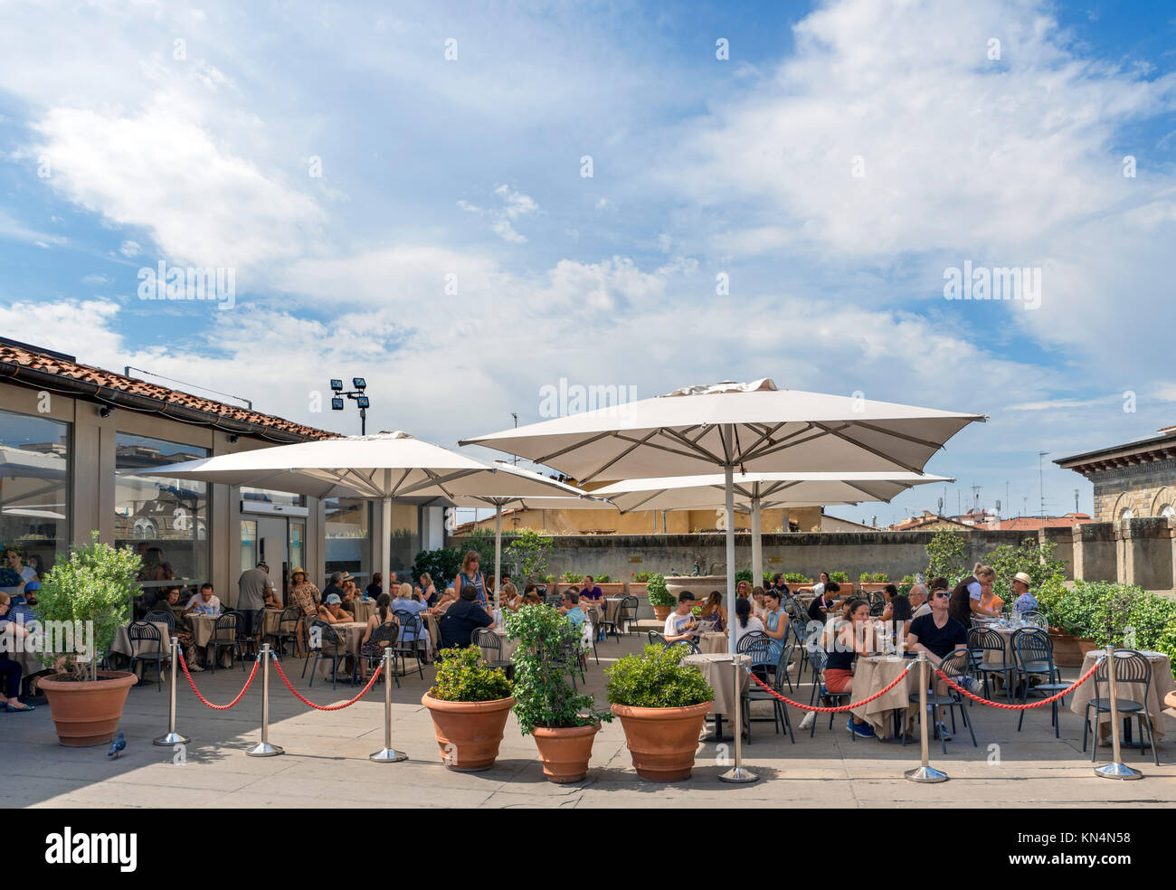 Rooftop cafe in the Uffizi Gallery, Florence, Italy. - Stock Image