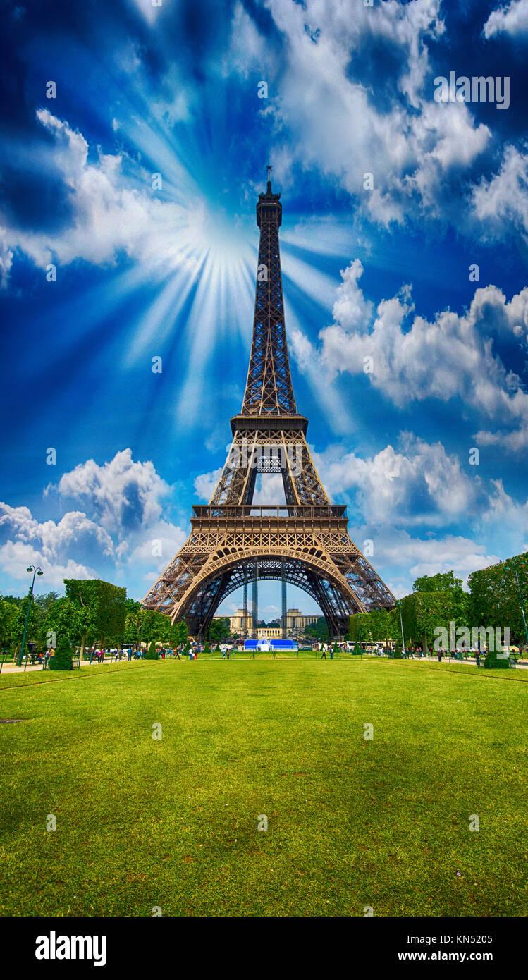 Paris La Tour Eiffel Tower View From Champs De Mars Garden