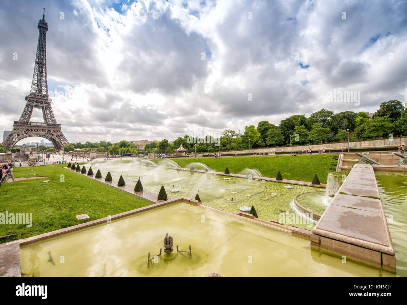 The Eiffel Tower on a beautiful summer day as seen from Trocadero Gardens. - Stock Image