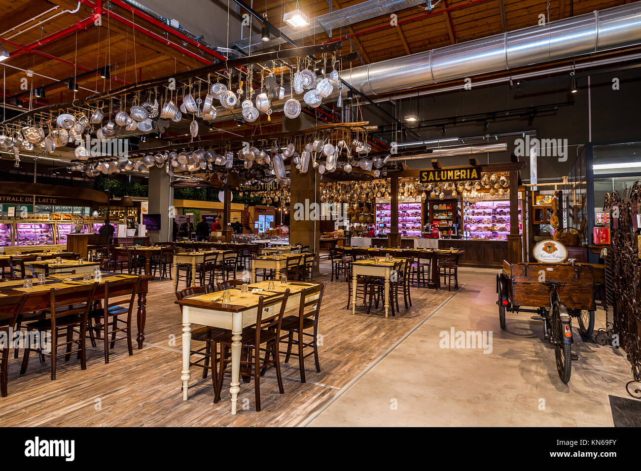 Eataly Food Store Stock Photos & Eataly Food Store Stock Images - Alamy