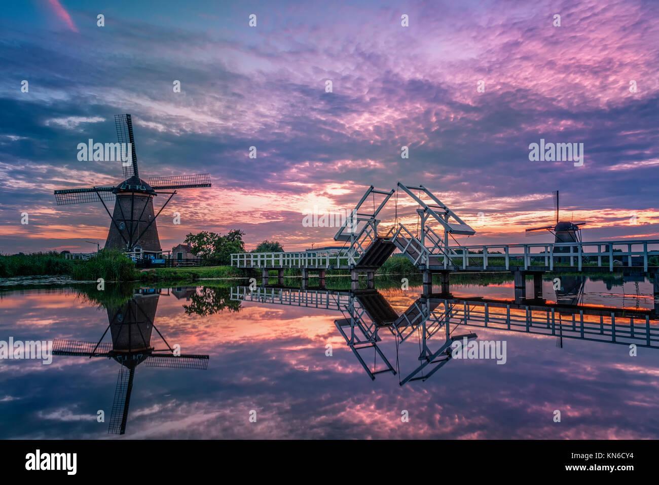 Windmill village Netherlands Kinderdijk - Stock Image