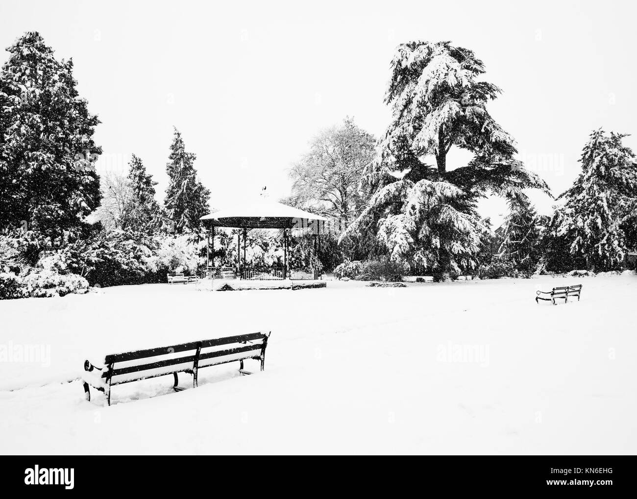 Snow around the band stand in Garth Park, Bicester. - Stock Image
