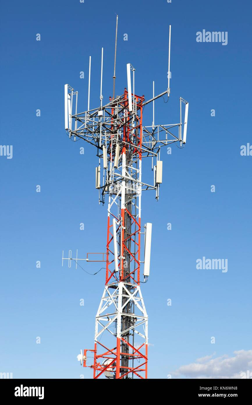 Cell Phone Tower Red White Stock Photos & Cell Phone Tower Red White