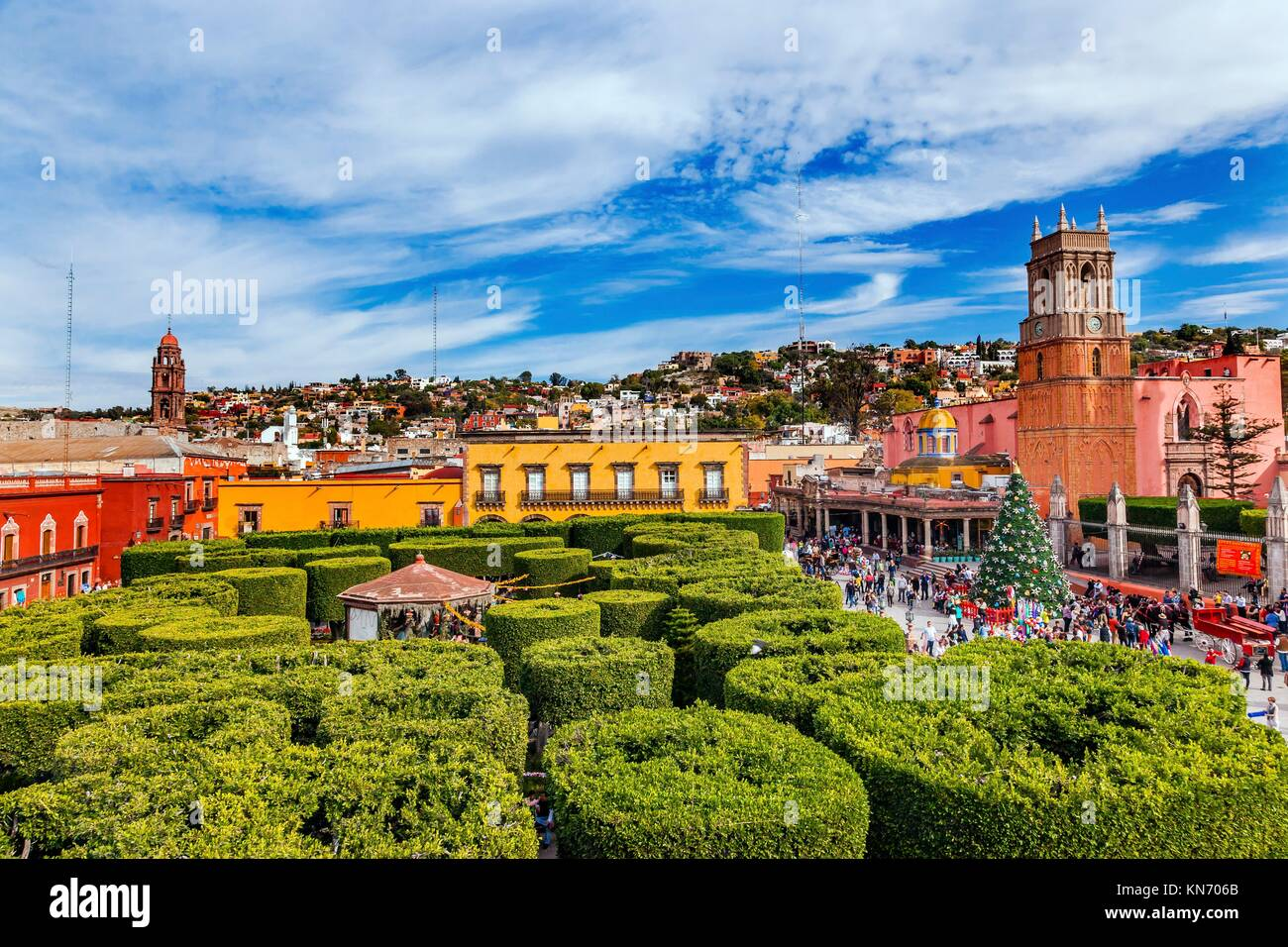 Parroquia Archangel church Greeb Jardin Town Square San Miguel de Allende, Mexico. Parroaguia created in 1600s.. - Stock Image