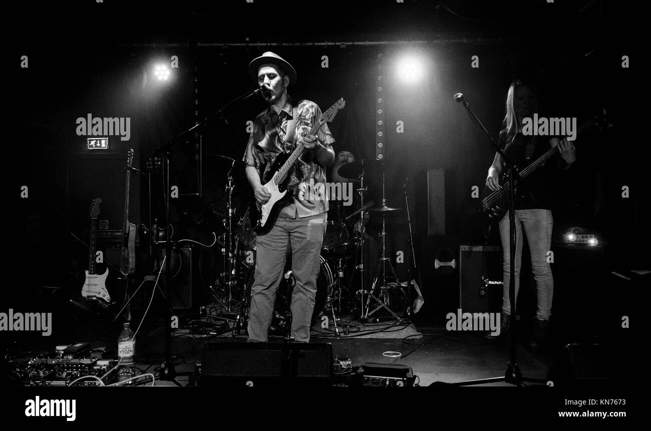 The Andy Gunn Band in The Mash House Edinburgh 2017 - Stock Image