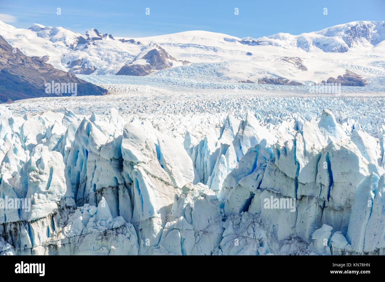 Side view of the Perito Moreno Glacier, Patagonia, Argentina. - Stock Image