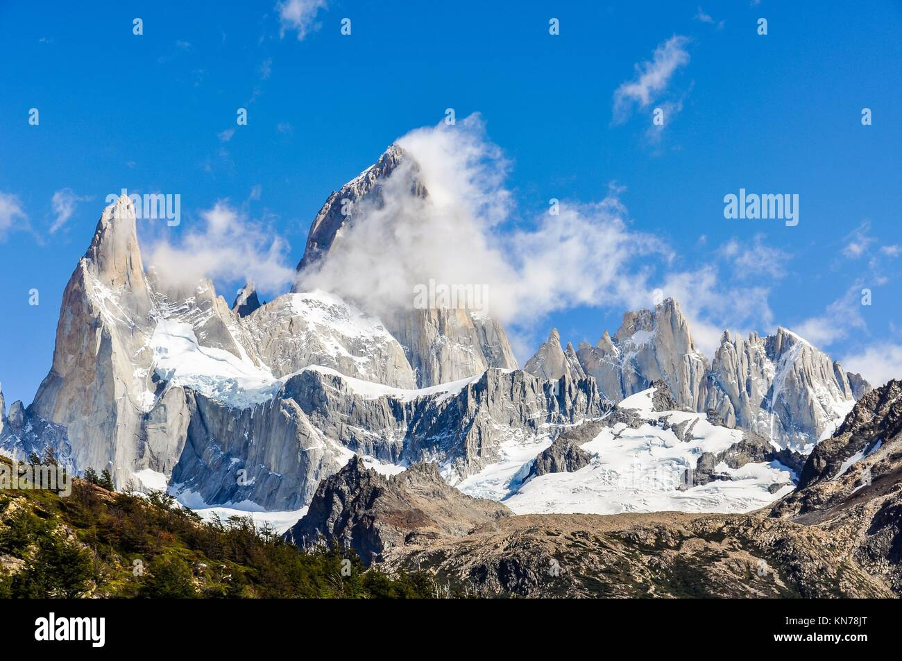 View of the peaks, Fitz Roy Walk, El Chalten, Patagonia, Argentina. - Stock Image