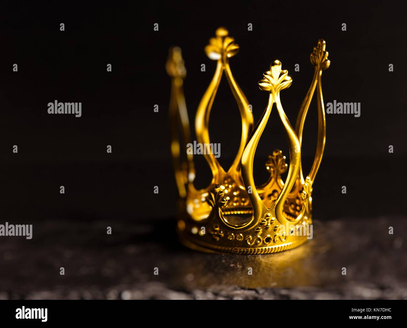 Crown Backgrounds High Resolution Stock Photography And Images Alamy