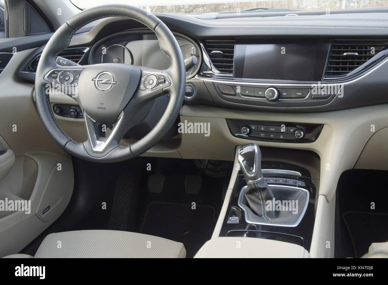 2017 Opel Insignia Grandsport 2 0 Cdti Interior Dashboard Stock Photo Alamy