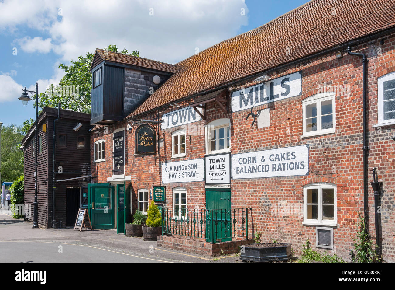 The Town Mills Ale House, Bridge Street, Andover, Hampshire, England, United Kingdom Stock Photo