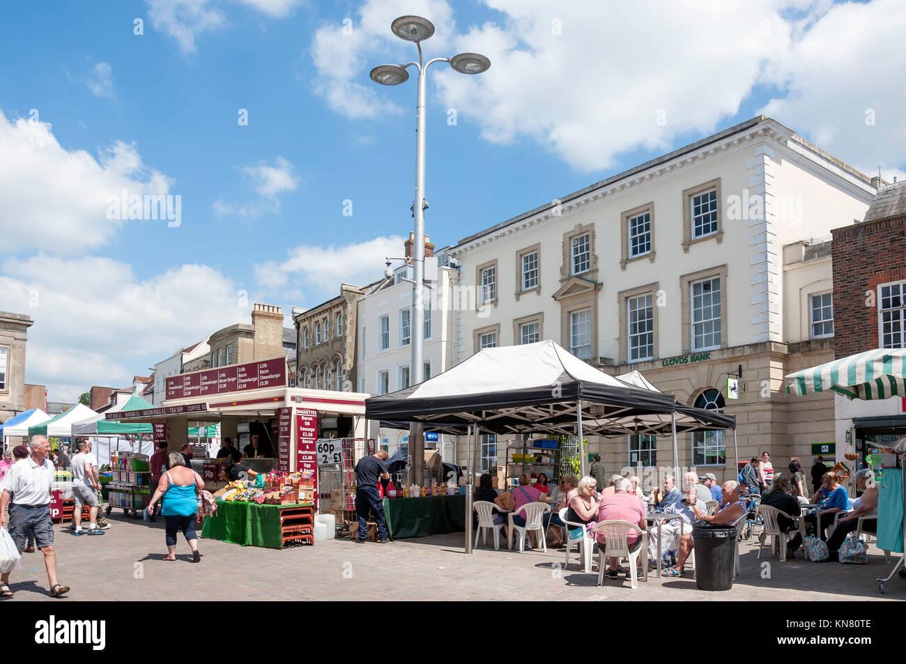 Market stalls, High Street, Andover, Hampshire, England, United Kingdom - Stock Image