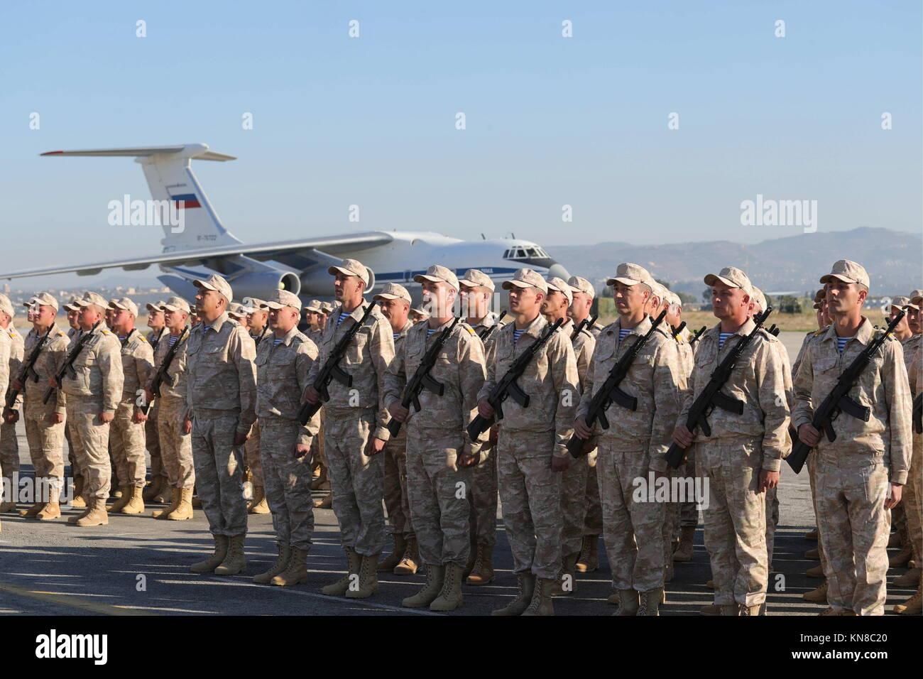 Latakia, Syria. 11th Dec, 2017. Russian servicemen at the Russian Hmeimim air base. Russian President Vladimir Putin - Stock Image