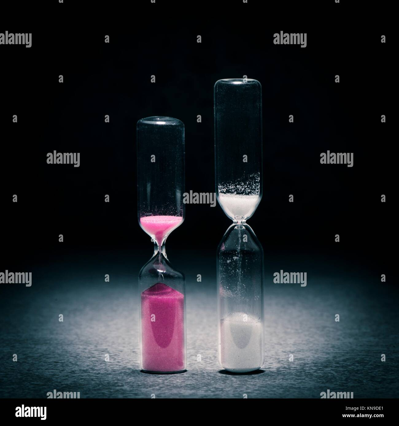 Deadline symbol with hourglass competition. Concept of time, pressure and countdown. - Stock Image