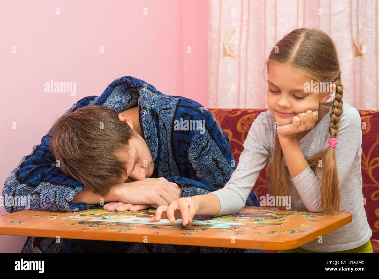 Трахнул старшую дочку, Отец трахнул дочь в красивом видео hd 720 9 фотография