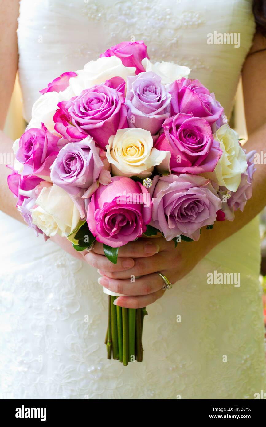 Bride Hand Flowers Stock Photos & Bride Hand Flowers Stock Images ...