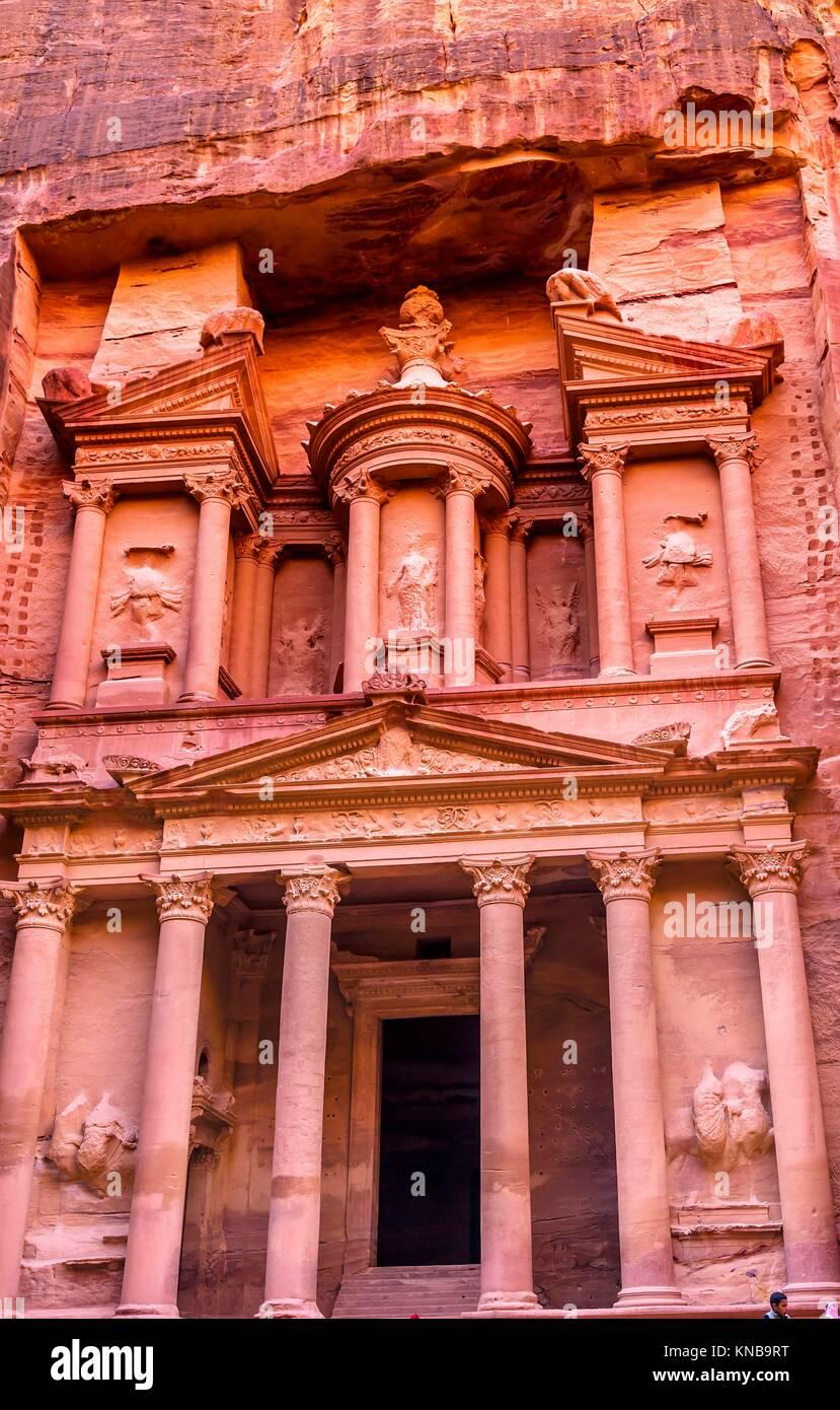 Yellow Treasury in Morning Becomes Rose Red in Afternoon Siq Petra Jordan Petra Jordan. Treasury built by the Nabataens - Stock Image