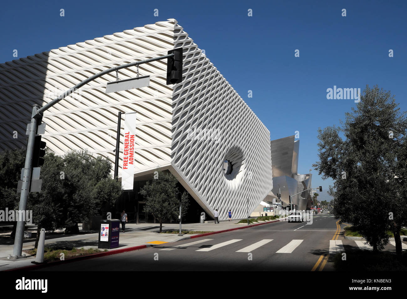Exterior view of The Broad Museum building on S. Grand Avenue in downtown Los Angeles, LA California USA  KATHY - Stock Image
