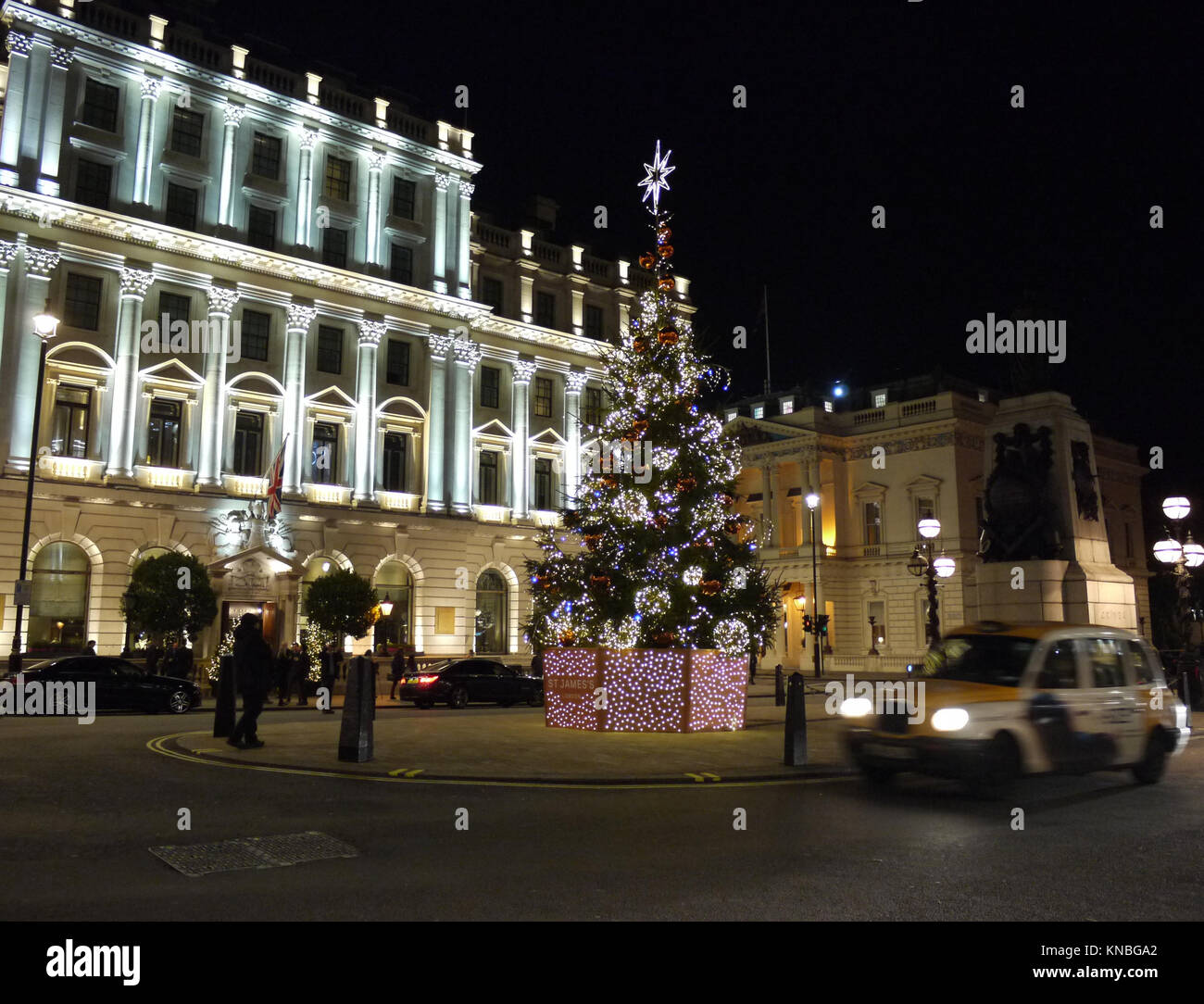Christmas Places To Visit In London: Christmas Hotel London Stock Photos & Christmas Hotel