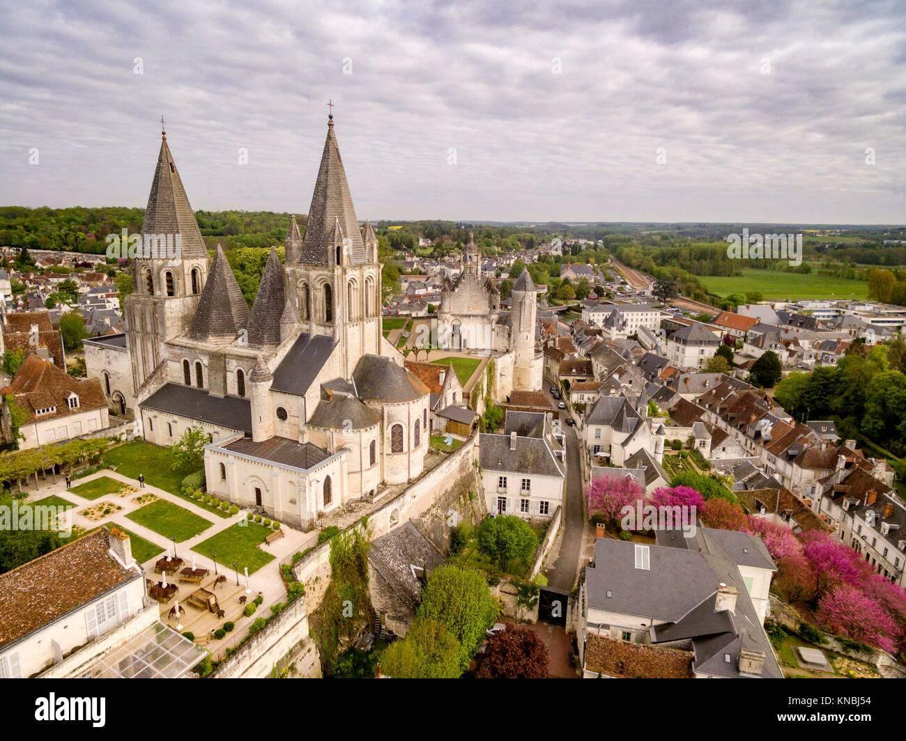 Colegiata de Saint-Ours, románico y gótico. Fue edificada entre los siglos XI y XII, Loches, Indre, France,Western - Stock Image