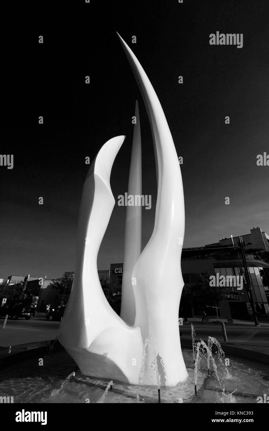 The Spirit of Sail sculpture, City park, Kelowna City, Okanagan Lake, British Columbia, Canada. - Stock Image