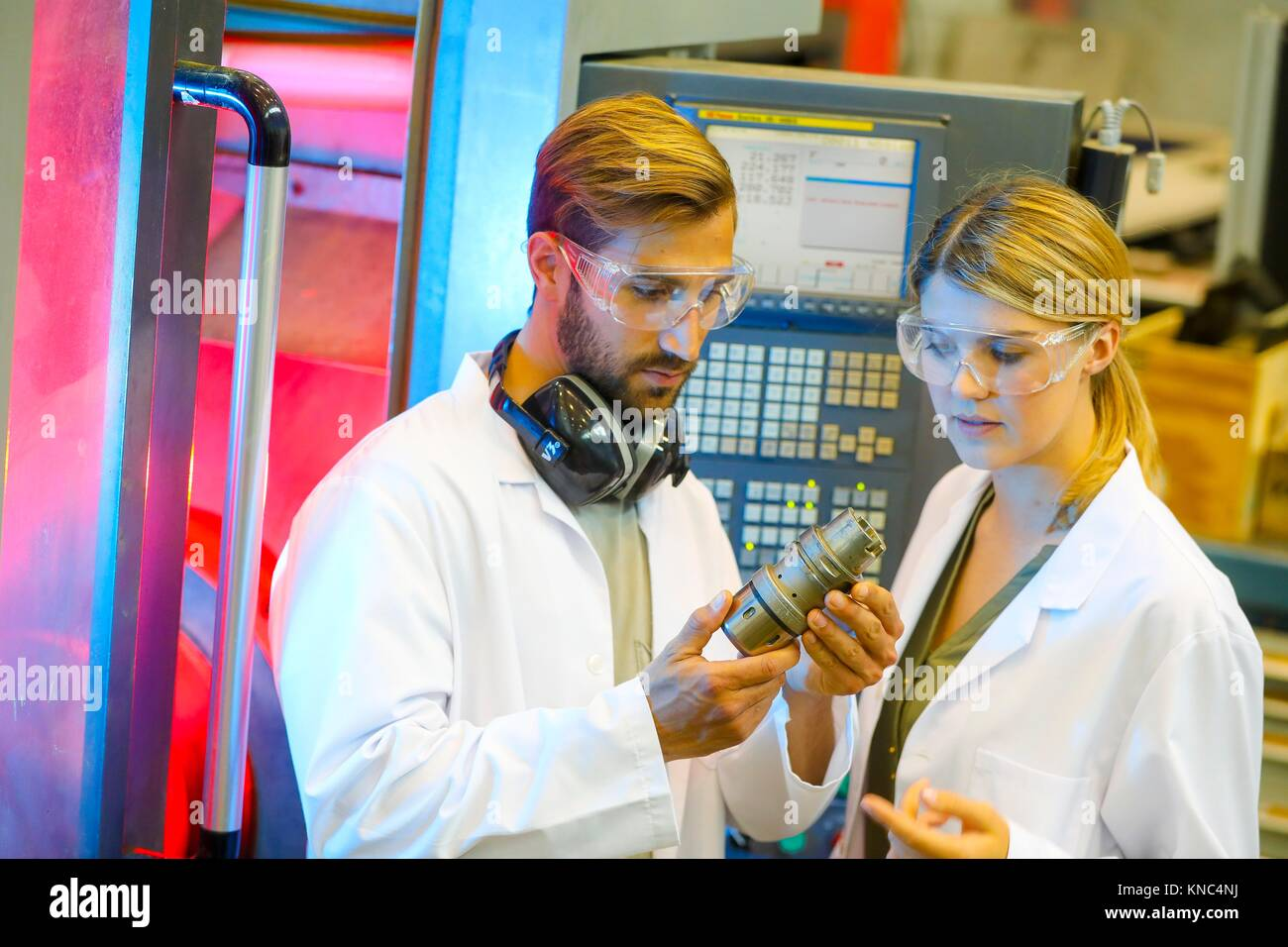 Machine tool for 5-axis milling, Researchers in machining center, Industry, Tecnalia Research & innovation, - Stock Image