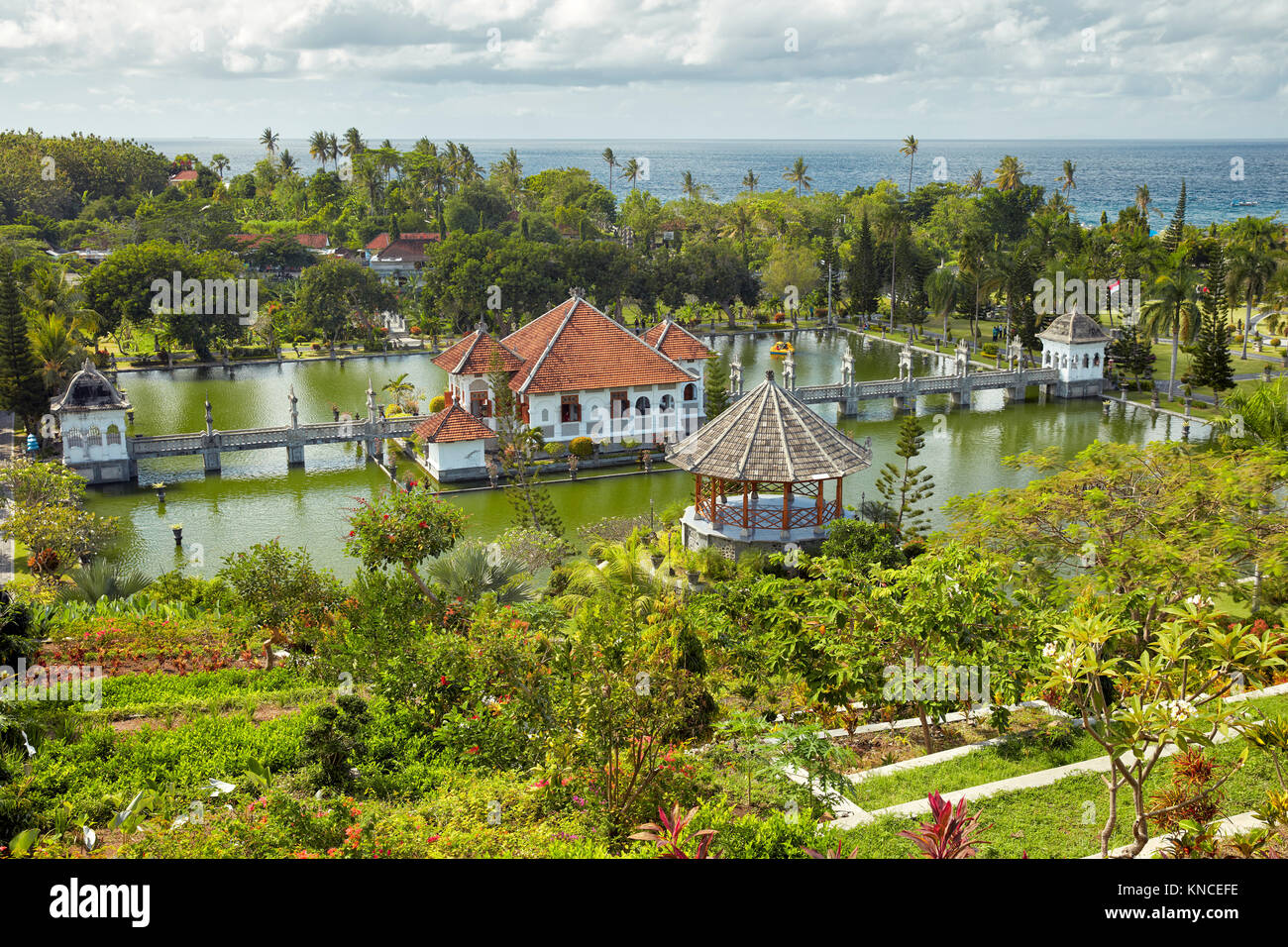 Gili Bale, main building of the Ujung Water Palace (Taman Ujung), surrounded by water and landscaped garden. Karangasem - Stock Image