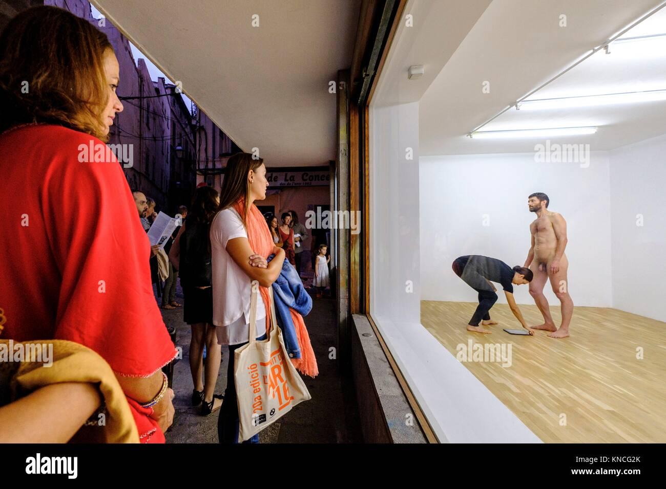 L21 GALLERY, performance , lenguaje-prologo, , Nit de l Art, Palma, Mallorca, balearic islands, spain, europe. - Stock Image